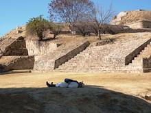 Monte Alban siesta
